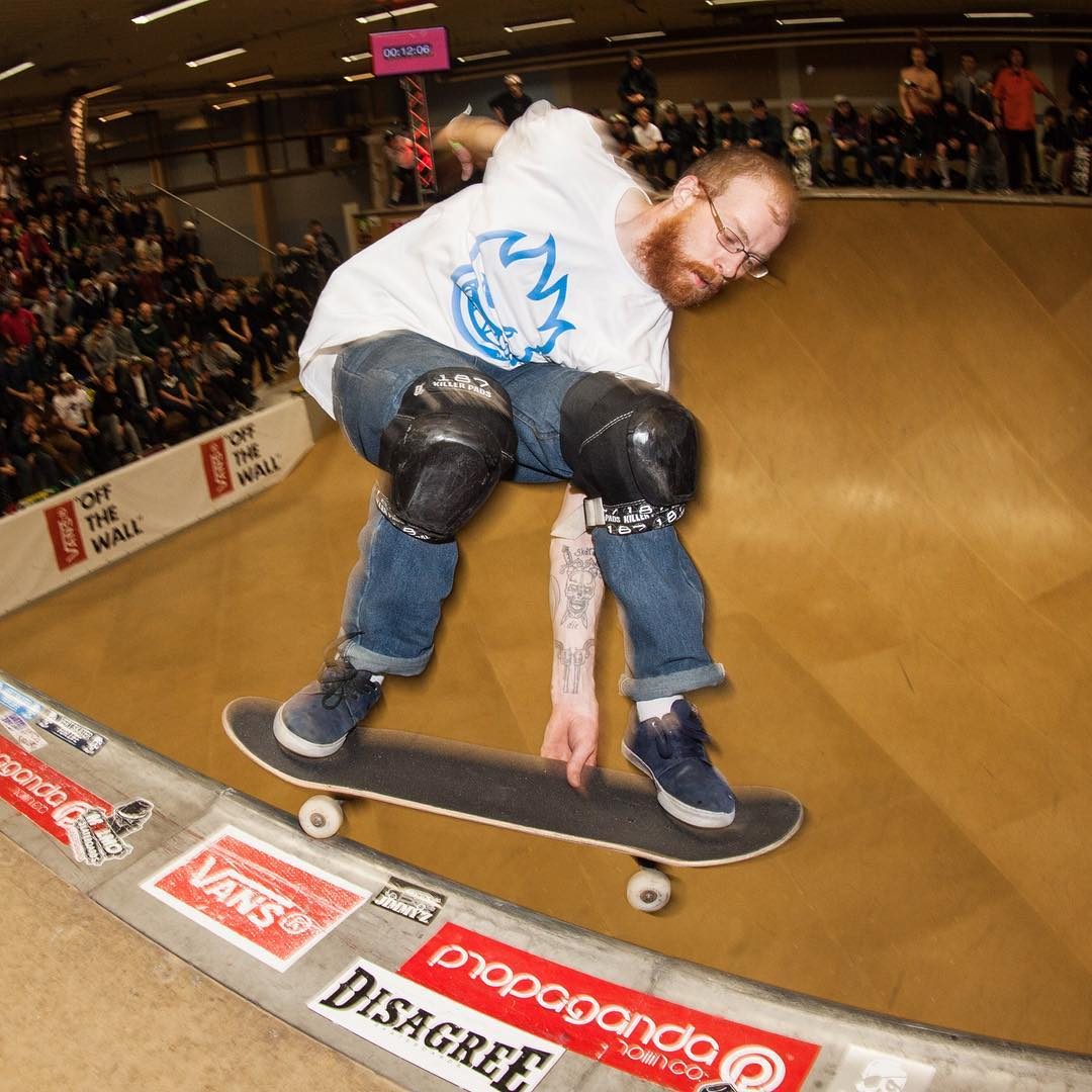 Div Adams on edge! At Vert Attack 9. Looking for next weeks VA-Xl #VA #Vertattack #skatewmalmo vert #skateboarding #halfpipe #bryggeriet #div #bailgun #gerdrieger.com