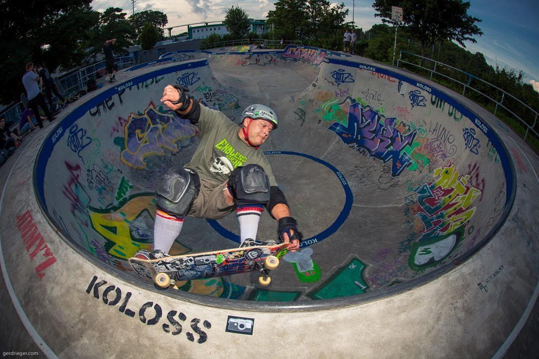 Yesterdays Berg session with the OG Wolfgangster grinding it down in the Monsterbowl. #bergfidel #monsterbowl #skateboarding #pool #bowl #concrete #vert #grind #wolfganster #bailgun #gerdrieger.com