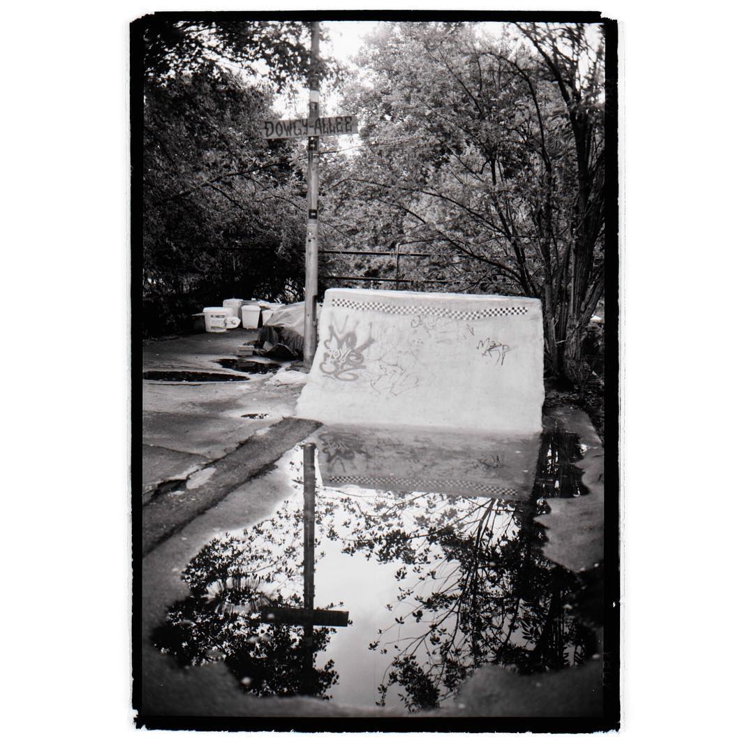 Dowgy- Allee DIY #concrete #diy #skateboarding #quarterpipe #puddle #reflexion #analog #photography #film #120 #mediumformat #6x9 #mamiyauniversal #bailgun #gerdrieger.com