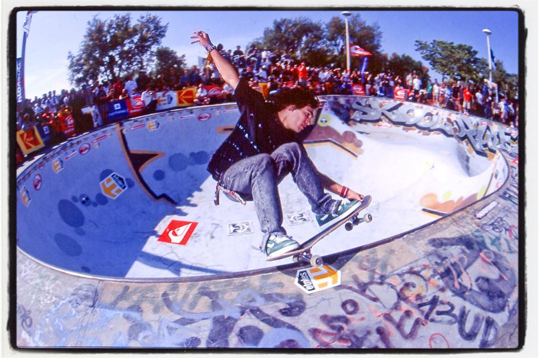 #flashbackfriday  Tony Trujillo, grinding the Marseille deepend, ca. 2002 #tonytrujillo #tnt #skateboarding #pool #bowl #concrete #contest #marseille #grind #bailgun #gerdrieger.com