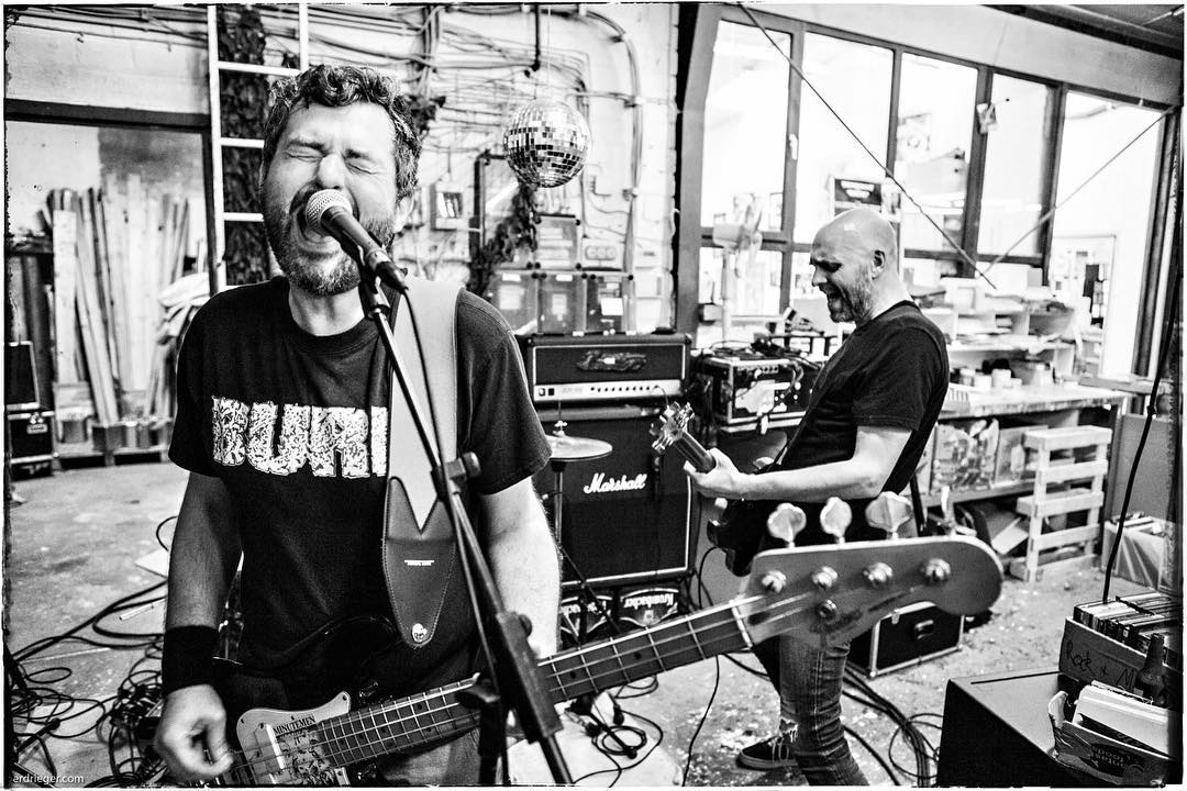 Düsenjäger played a rad gig at the @greenhellrecords warehouse today. #düsenjäger #punk #rock #gig #conzert #konzert #live #music #greenhellrecords #bailgun #gerdrieger.com