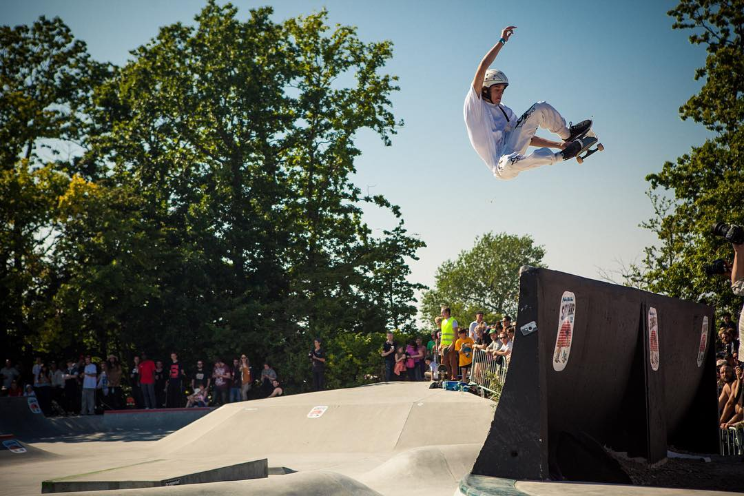 #throwbackthursday Charlie Martin stalefishing high above the main quarter pipe at the Ultra Bowl 2015, Sibbarp park, Malmö. #skatemalmo #skateboarding #contest #ultrabowl #sibbarp #bryggeriet #bailgun #gerdriegerphotography