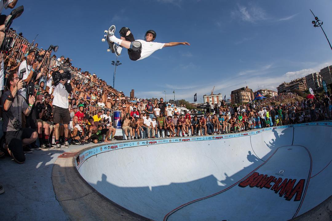#throwbackthursday Cory Juneau with a massive FSA at the La Kantera Bowl-o-Rama contest 2014. #lakantera #gexto #algorta #skateboarding #pool #bowl #concrete #coryjuneau #bailgun #gerdriegerphotography