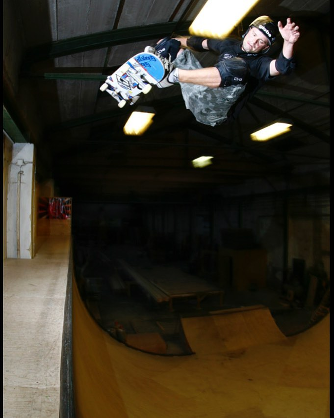 #throwbackthursday Renton Millar with a picture perfect frontside ollie when Unna still had a vert ramp. It's a fun bowl now, so nothing to complain about. #skateboarding #vert #halfpipe #ollie #rentonmillar @rentonmillar #bailgun #magazine #gerdriegerphotography
