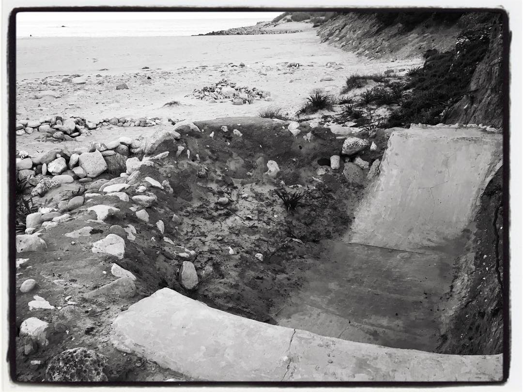 Beach DIY somewhere in Portugal. #skateboarding #diy #concrete #ramp #beach #bailgun #magazine #gerdriegerphotography