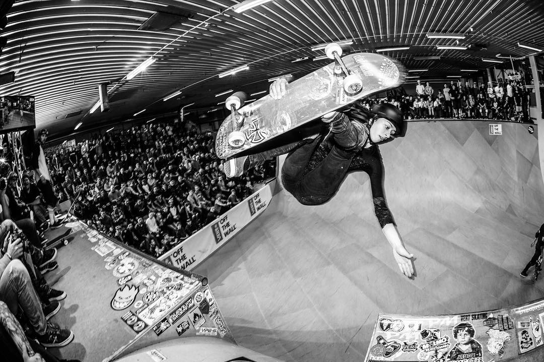 #flashbackfriday Lizzie Armanto about to plant her hand on the other side of the channel at VA lX 2015. #skateboarding #vert #halfpipe #ramp #vertattack #frontsideinvert #lizziearmanto #skatemalmo #bailgun #magazine #gerdriegerphotography