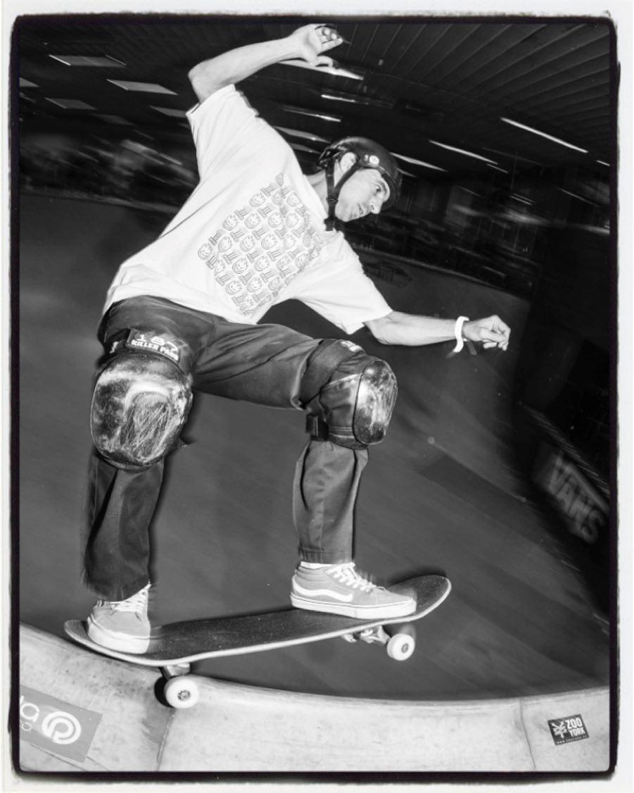 #throwbackthursday Peter Hewitt high speed grind at VA-8, 2014 #skateboarding #vert #ramp #halfpipe #vertattack #skatemalmo #brygerriet #peterhewitt #grind #bailgun #magazine #gerdriegerphotography