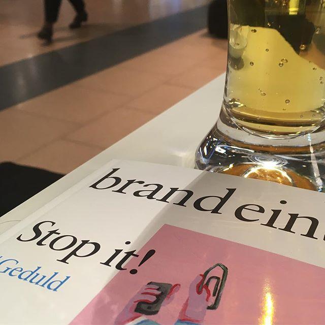HH Airport > next stop Stockholm to skate some concrete. #travel #airport #HH #gedult #brandeins #helles #bierenergie #schmiersuff #bailgun #magazine