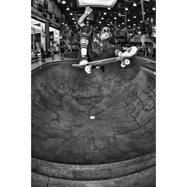 #throwbackthursday Jimmy Wilkins, alley oop ollie at the Vans Pool Party 2014. #skateboarding #jimmywilkins #ollie #pool #bowl #concrete #gtxxfso #bailgun #magazine #gerdriegerphotography