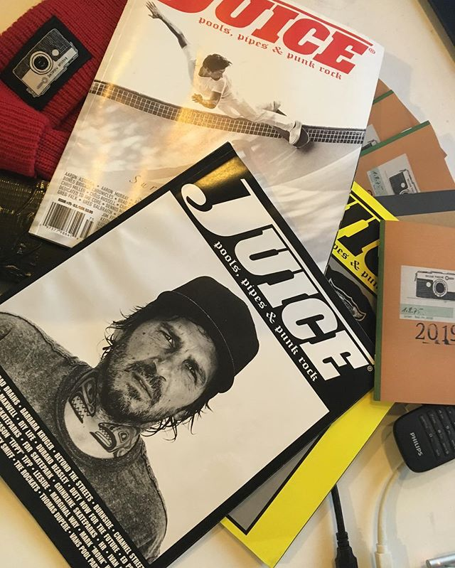 Stoped by Juice Magazine on the way to the airport the other day, to pick up some issues. Juice has the best interviews with tons of stuff to read. Thanks Dan. #juicemagazine #print #printisnotdead #skateboarding #bailgun #magazine