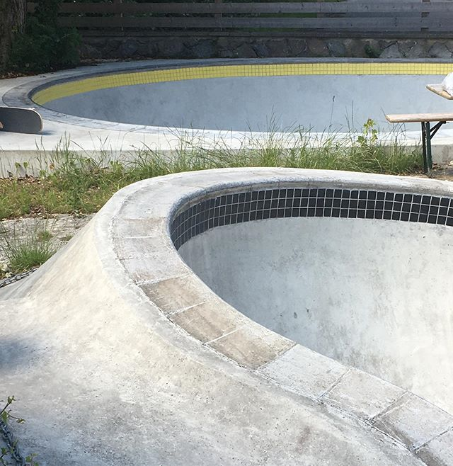 The day after ##goskateboardingday is go SKATEBOARDING day 😁#Pool #bowl #ankerramps #bailgun #magazine