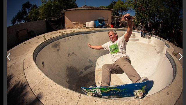 #flashbackfriday Cam Dowse grind in someone's backyard. Riverside, 2014. #skateboarding #pool #bowl #swimmingpool #concrete  #grind #bailgun #magazine #gerdriegerphotography