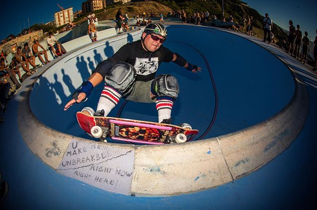 #throwbackthursday HBD Wolfganster, keep grinding it down. See you at La Kantera tomorrow. Photo taken at Bowlarama 2014. #lakantera #gexto #algorta #baskcountry #grind #grinditdown #wolfganster #pool #bowl #concrete #bailgun #magazine #gerdriegerphotography