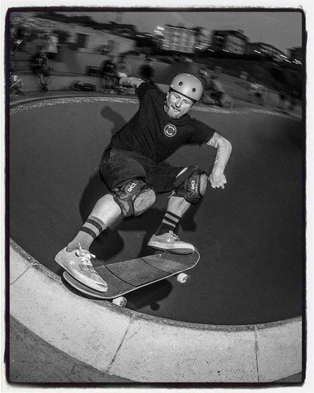 The Killer 50-50 session article from the La Kantera skatepark is online now. Anders, tailslide in the Kidney Pool. Story and more photos over here: www.bailgun.com/category/news #pool #bowl #concrete #killer5050session #lakantera #skatepark #gexto #algorta #zutskateparks @anderstellen @zutskateparks @ortxustrofps @lakanteraskateskola