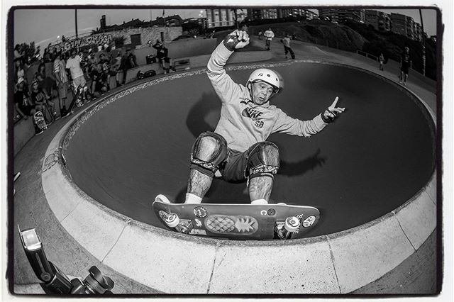 "Doug ""Pineapple"" Saladino at the Killer 50-50 session at the La Kantera kidney pool. Thanks Txus @ortxustrofps for the the rad session!!! More grind photos and words over at bailgun.com/category/news #lakantera #pool #bowl #concrete #poolcoping #dougsaladino #pineapple #gexto #algorta #skateboarding  #bailgun #magazine #gerdriegerphotography  @pine_design"