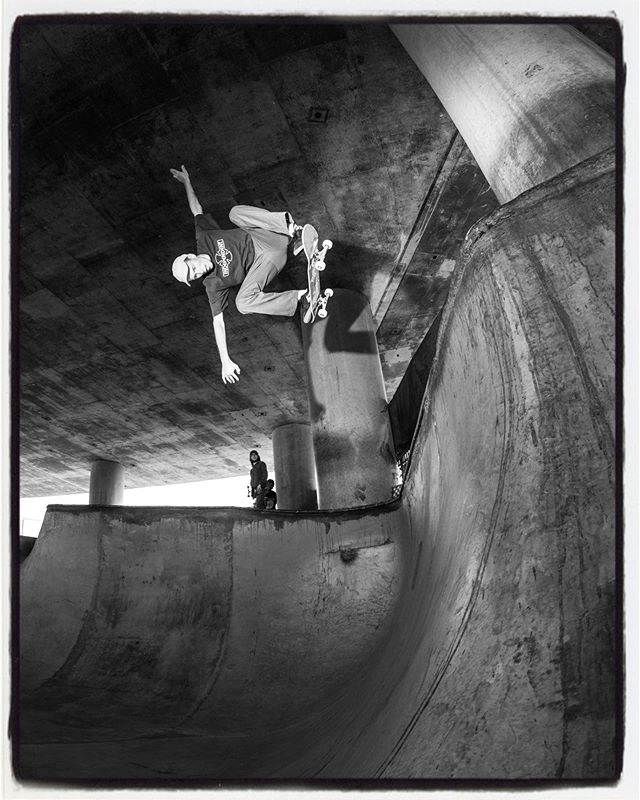 #flashbackfriday Chris Cope ollie under the bridge a few years ago @_chriscope #ollie #jtair #chriscope #washingtonstreetskatepark #wsvt #diy #concrete #skateboarding #bailgun #magazine #gerdriegerphotography